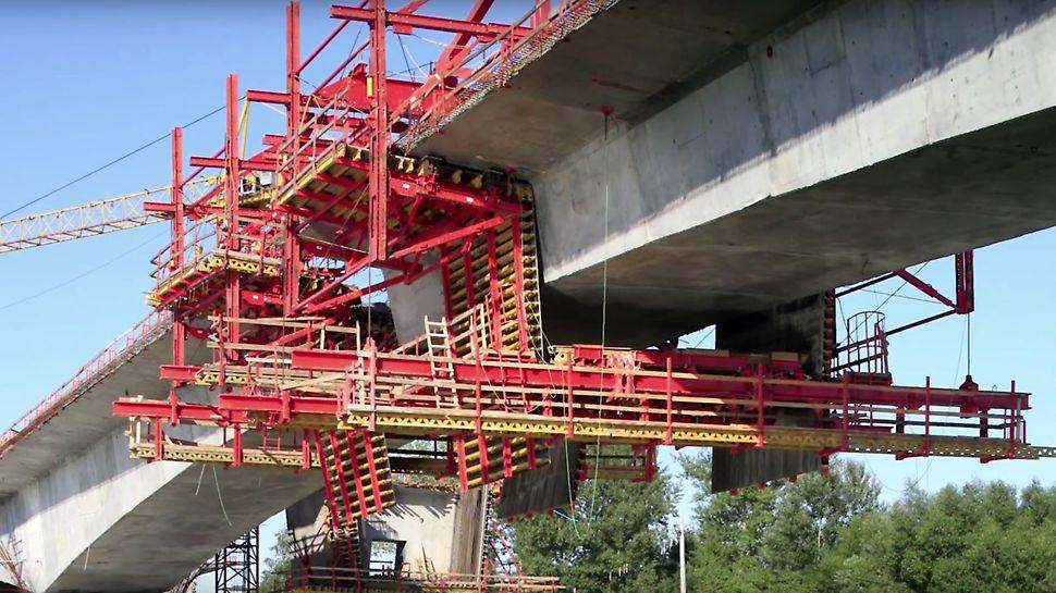 Das VARIOKIT Freivorbaugerät VBC kommt bei Brücken mit großen Spannweiten zum Einsatz