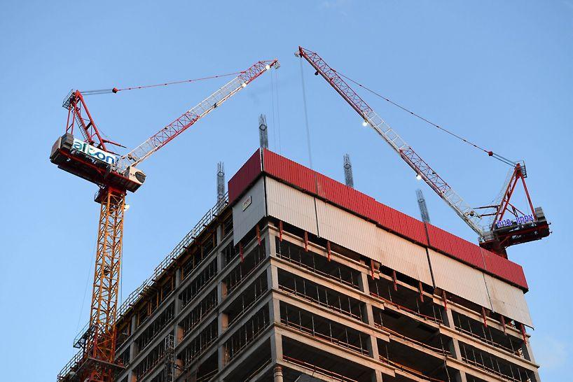 מערכת הגנה היקפית RSC-P המתפקדת כקיר מסך מטפס על חזית הבניין