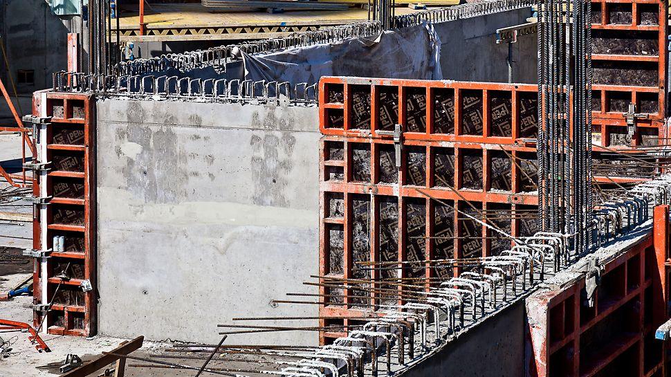 Twin City, Bratislava - Po oddebnení boli odkryté výsledky v podobe dokonalého povrchu betónu.