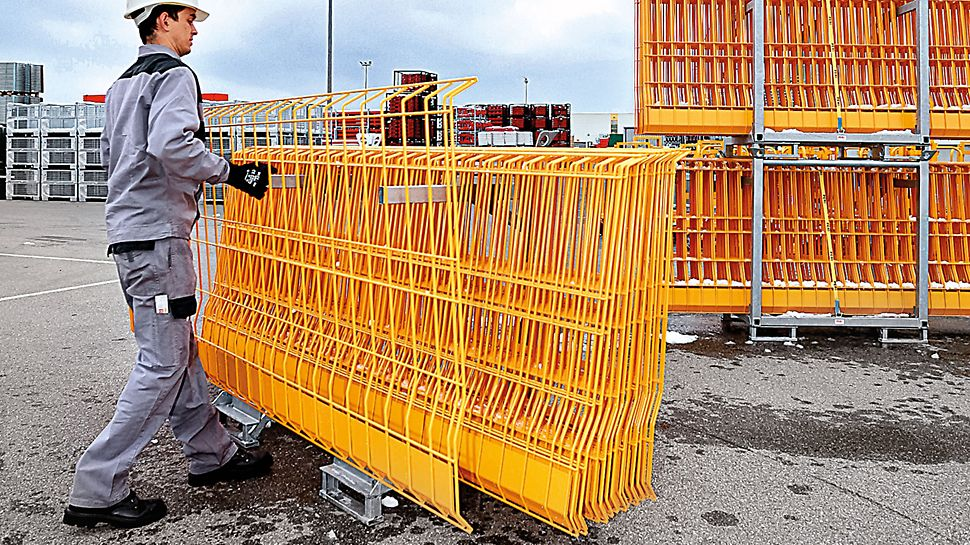 PROKIT EP 110: The PROKIT pallet holds 25 side mesh barriers and simplifies the logistics and assembly of the side protection.