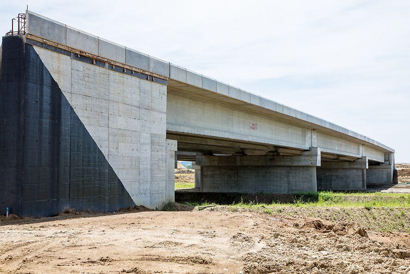 Pod pe autostrada peste pârâul Vadana, km 39+558