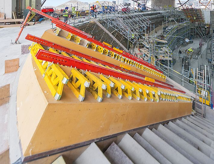 During the planning phase, the use of system components, e.g. GT 24 girders or VARIOKIT steel walers, is maximized.