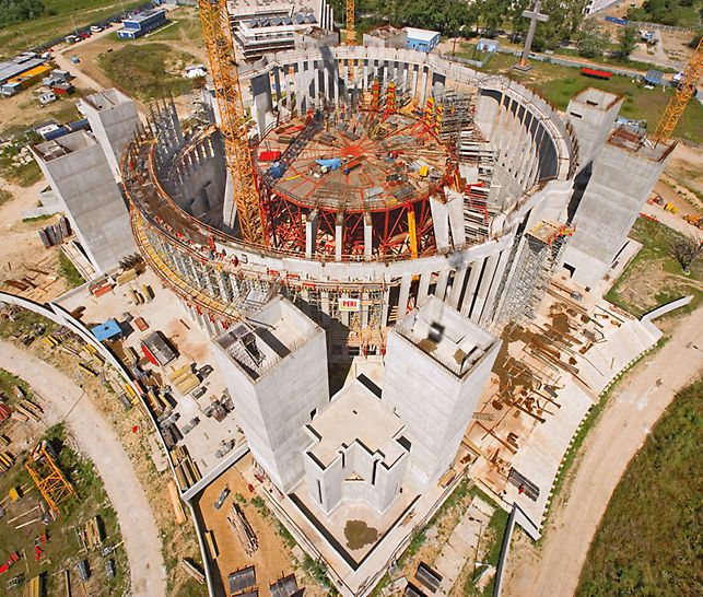 Temple of Divine Providence, Warsaw, Poland - The construction of the tempel consists of reinforced concrete frames arranged in circle on a base area in the form of a Greek cross – a cross with four equally long arms.