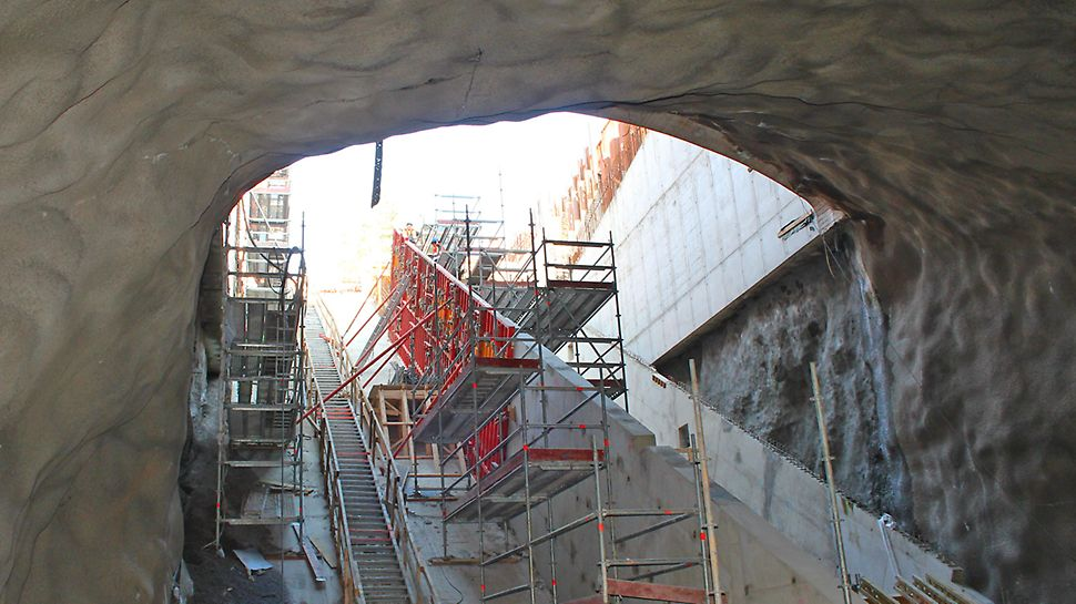 Tietotien sisäänkäynnin seinät valettiin TRIO-seinämuotilla.
