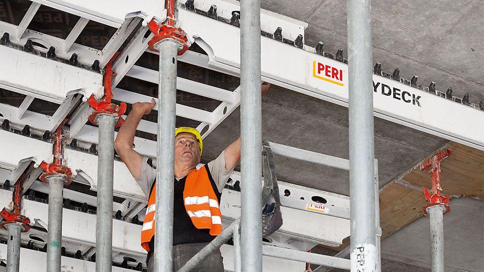 Die SKYDECK Paneele und Längsträger konnten dank des Fallkopfsystems bereits einen Tag nach dem Betonieren ausgeschalt und anschließend in den nächsten Takt umgesetzt werden.