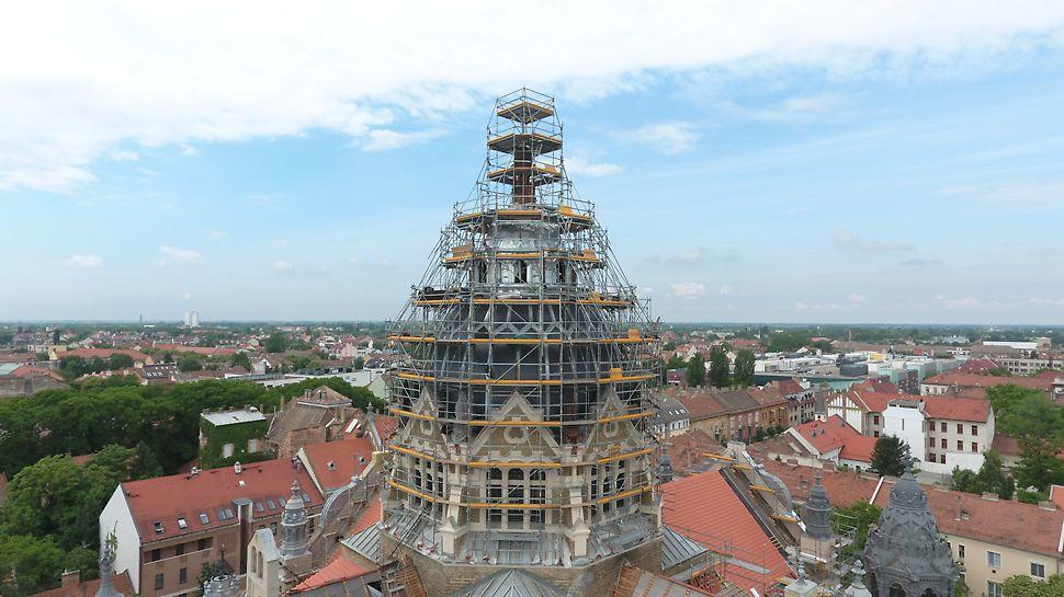 PERI UP Flex állványzat a szegedi új zsinagóga kupolájának felújítása során
