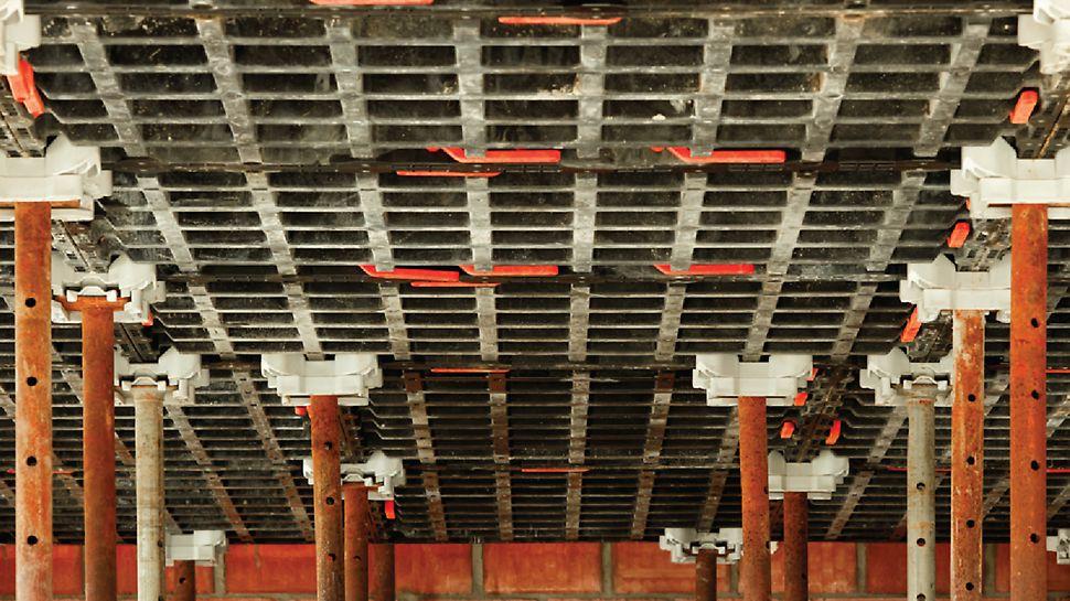 Maison privée Vadribo à Stekene : Les panneaux DUO sont polyvalents. Pour ce projet, Vadribo les a utilisés pour les dalles et la poutre de ceinture.