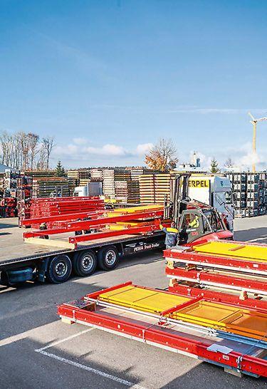 Gotowe do użycia platformy można piętrzyć w stosie i transportować w kompaktowej formie. Barierę ochronną wystarczy nałożyć już na miejscu.