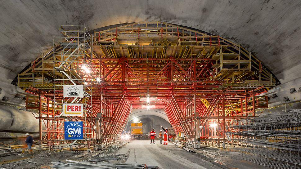Die Herstellung der unterirdischen Maschinenkaverne sowie zweier Einlaufbauwerke erfordert ein durchdachtes Schalungskonzept sowie kompetenten Baustellensupport.