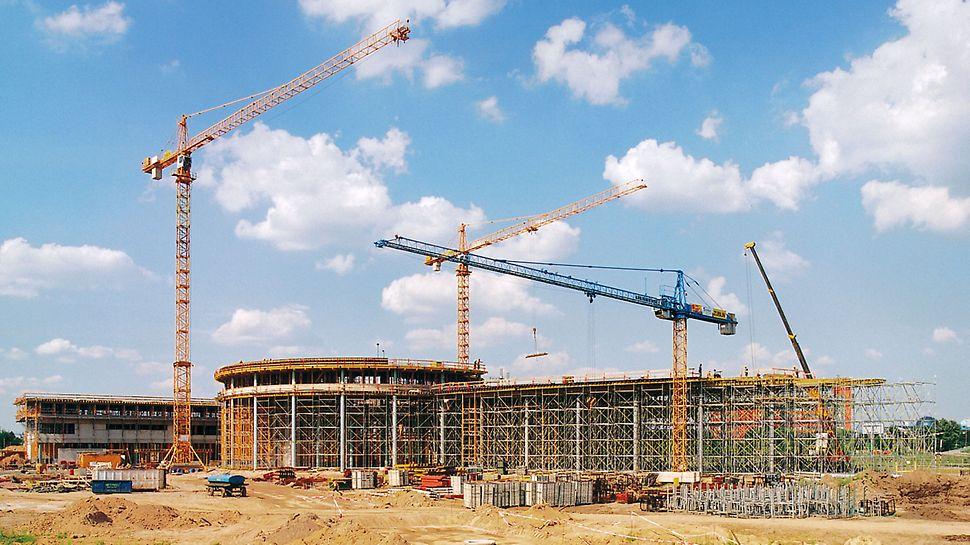 DaimlerChrysler Niederlassung Warschau, Polen - Unweit des Warschauer Stadtzentrums entsteht die neue Hauptverwaltung des Automobilkonzerns und eine Mercedes-Benz Niederlassung mit Verkaufssalon und Werkstätten.