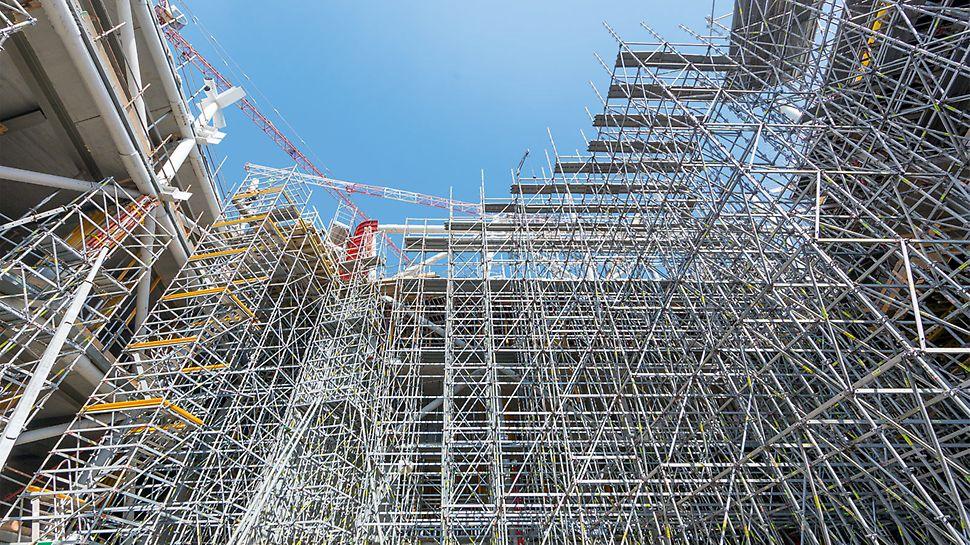 Palazzo Italia,  Expo Milano 2015 - il sistema PERI UP Flex è stato impiegato per il sostegno delle casseforme e per il montaggio della struttura in acciaio