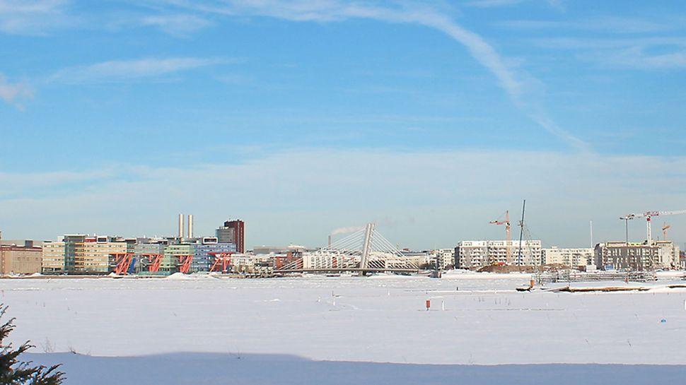 Crusellinsilta valmistui vuonna 2011. Kuva talvelta 2013.