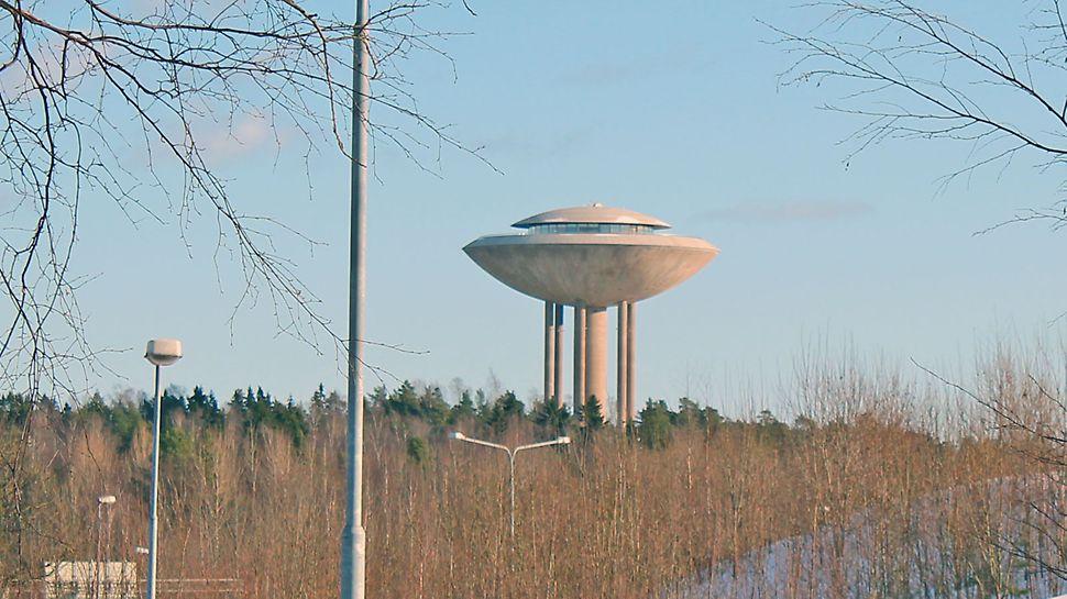 Vesitorni on näkyvä maamerkki Länsi-Espoossa.