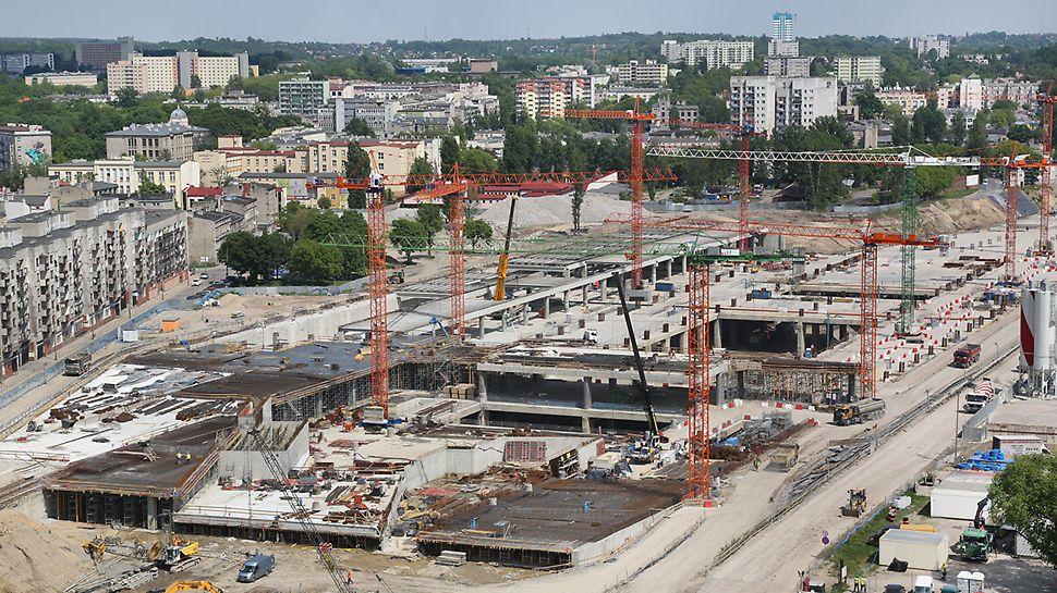 Widok na plac budowy nowego dworca Łódź Fabryczna.