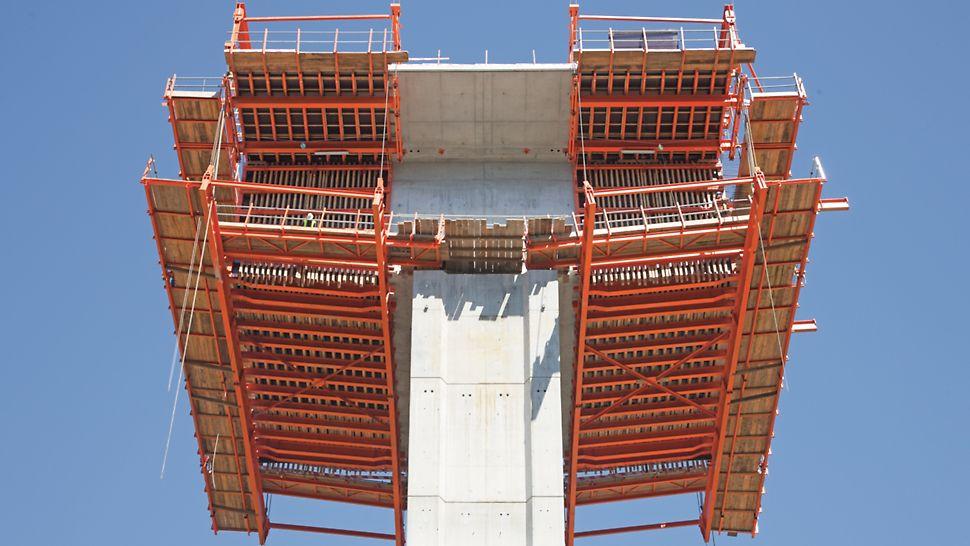 Ponte sobre o Rio Uima - Plataformas principais das aduelas zero