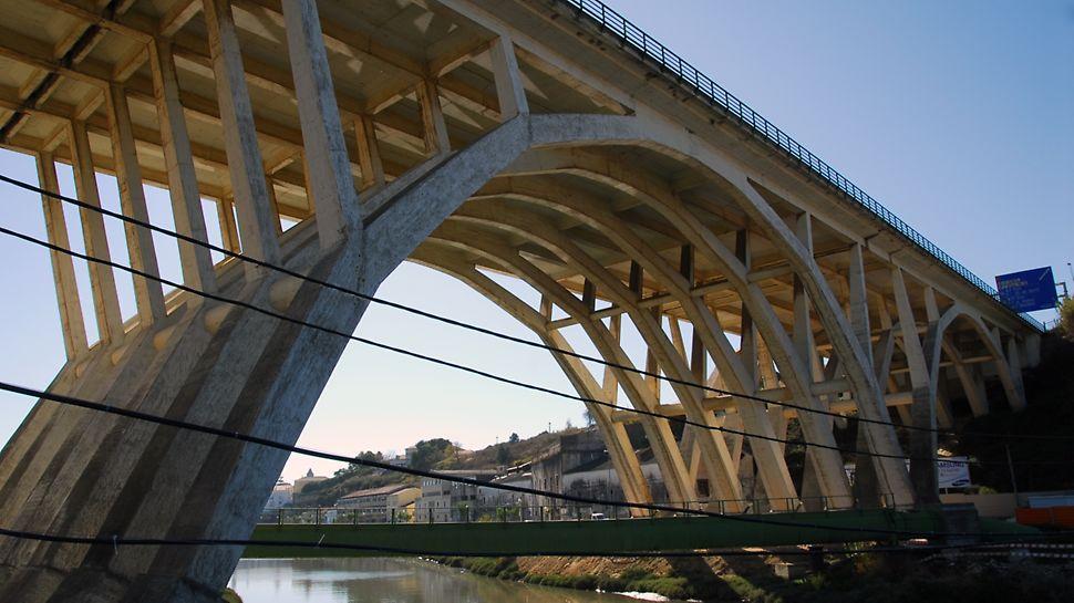 Viaduto de Sacavém sobre o Rio Trancão - Perspectiva geral do Viaduto de Sacavém sobre o Rio Trancão