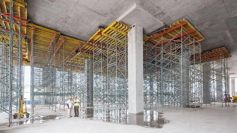 Mit den Rahmenhöhen R 150 und R 110 sowie den großen Spindelwegen ist jede Höhe bis zum Maximum stufenlos einrüstbar.