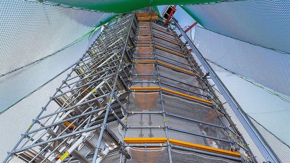 Zwischen 192 m und 243 m Höhe lassen sich mittels System-Horizontalriegeln eine kraftschlüssige Verbindung und somit eine hohe Stabilität erreichen.