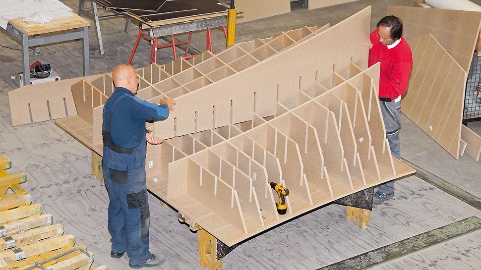 Aquatics Centre, Londýn: Trojrozměrné bednicí prvky byly smontovány kompletně v PERI předem - se speciálně na míru zhotovenými tvarovacími žebry z příslušenství ke zpracování dřeva CNC.