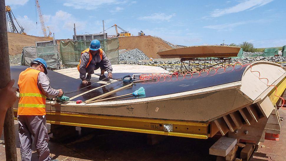 Die finale Schalhautbelegung erfolgt auf der Baustelle unter fachkundiger Anleitung eines PERI Supervisors.