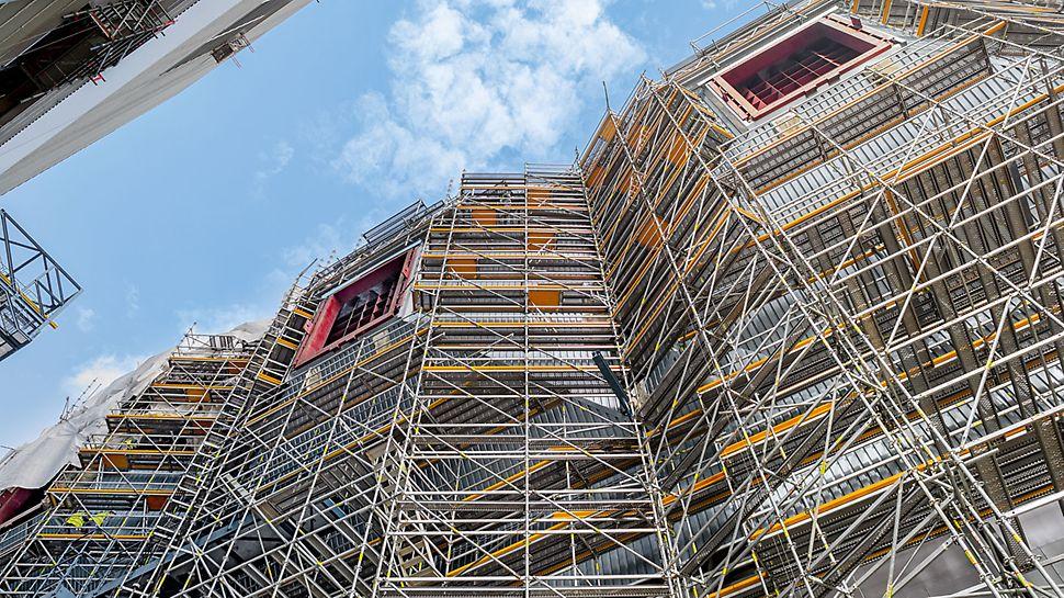 Centrala electrică Eemshaven, Olanda - Pentru construcția centralei electrice din Eemshaven, sistemul de schelă industrială PERI UP și-a demonstrat clar flexibilitatea și adaptibilitatea.
