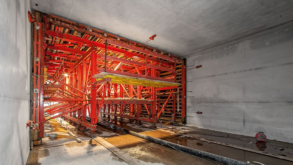 U4 Subway Tunnel, Hamburg, Germany   Hamburg's longest construction site: from HafenCity to the Elbe Bridges in weekly cycles