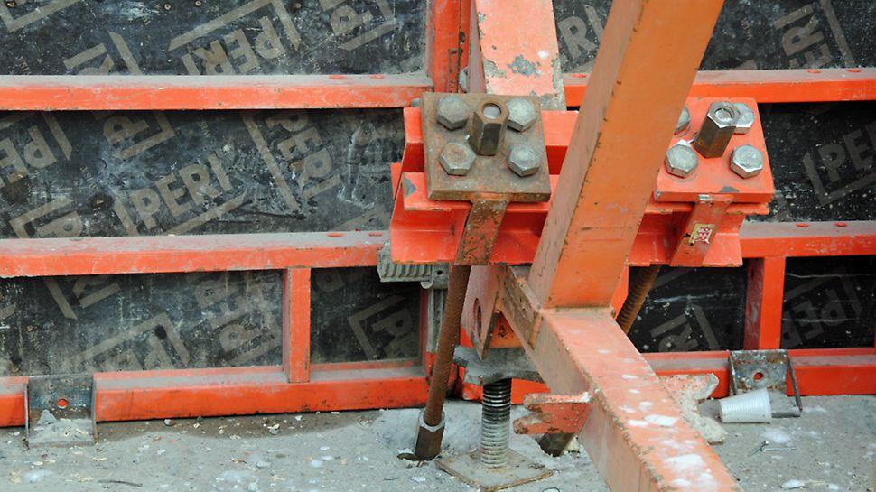 Zoo - Forankring DW 26 påSB-bukken til den ensidige vægforskalling af kældervæggen til teknikrummet.