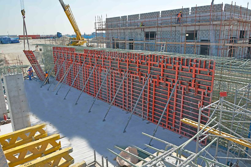 The walls of this TSE Storage Tank are being poured with TRIO wall formwork