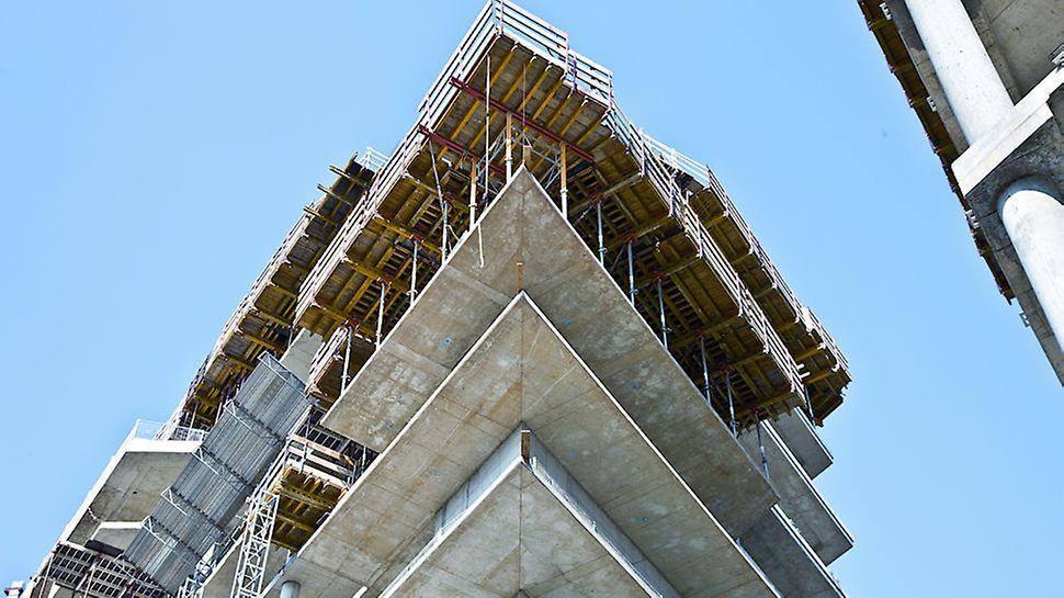 Progetto PERI, Porta Nuova Varesine Lotto 1 -  Dettaglio di tavoli MODUL di bordo nella realizzazione di un angolo dalla particolare geometria