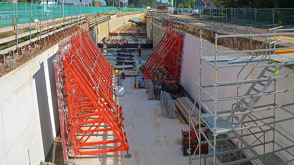 SB-2 bokken waren de uitkomst voor de vijf meter hoge, schuine tunnelwanden.