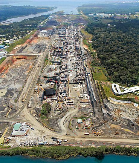 Tercer juego de esclusas del Canal de Panamá - La instalación de cierre de Gatún en la costa atlántica tiene tres cámaras colocadas una tras otra - cada una de 403 m de largo y 55 m de ancho.