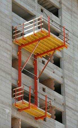 Progetto PERI - Torre Pontina, Latina - Un dettaglio della configurazione del sistema RCS-P impiegato nell'edificio: piano di carico sollevato idraulicamente