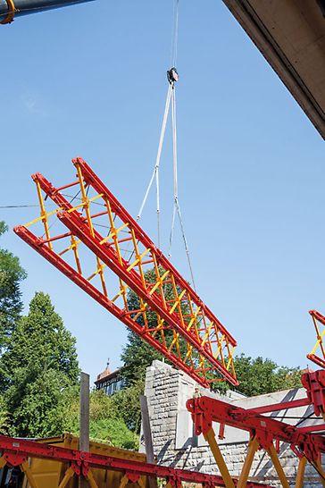 Most na S 35 cez Mur, Frohnleiten, Rakúsko - systémové komponenty VARIOKIT boli predmontované