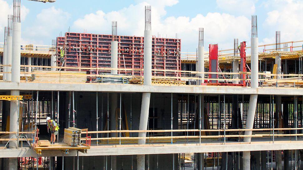 Administrativní centrum Aviatica, Praha Kruhové sloupy byly na celé konstrukci bedněny ocelovým bedněním SRS pro kruhové sloupy s perfektním povrchem betonu SRS.