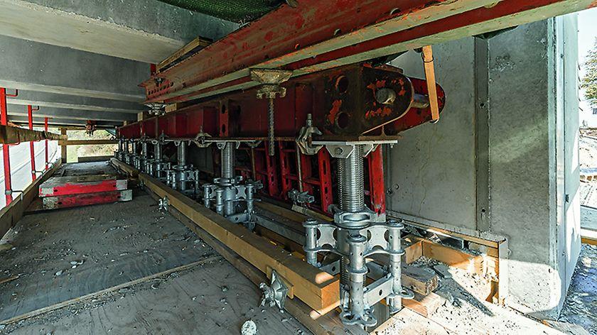 Podepření prefabrikovaných nosníků u opěry.