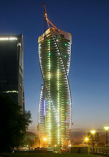 Evolution Tower Moskau - Die um jeweils 3° verdrehte Anordnung der 52 Obergeschosse um den zentralen Gebäudekern bewirkt eine elegante, spiralförmige Drehbewegung um über 150°.