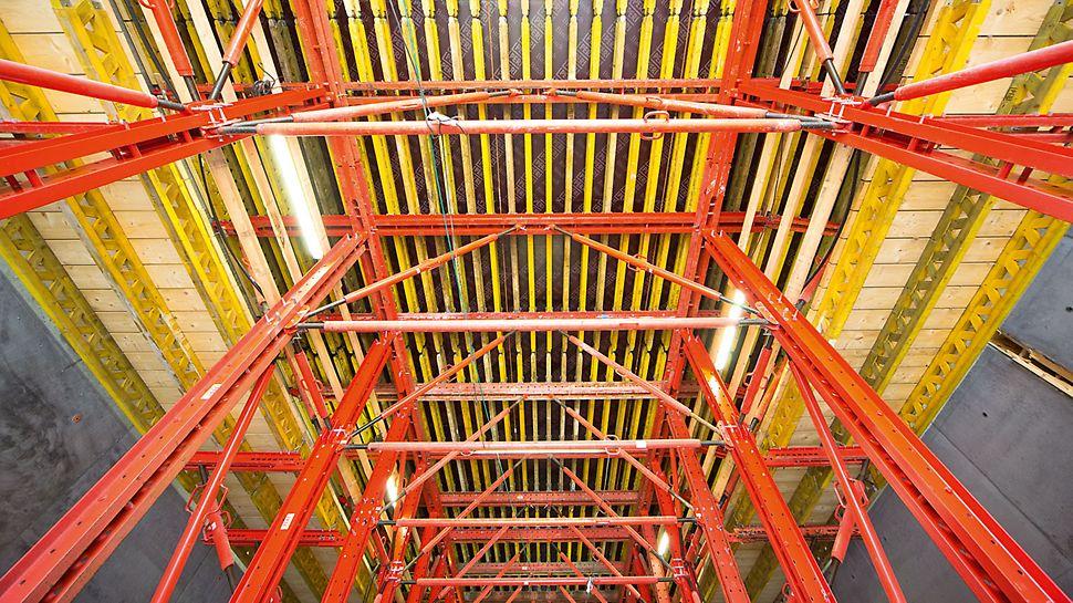 Progetti PERI - Tunnel Nordhavnsvej, Copenaghen, Danimarca: soluzione composta da cassaforma traslabile VARIOKIT con un portale per il passaggio dei mezzi del cantiere e un sistema idraulico
