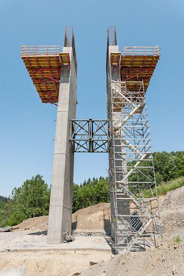 Most Markov, Slovensko: Přístup k zárodkům umožnila schodišťová věž ze systému PERI UP.