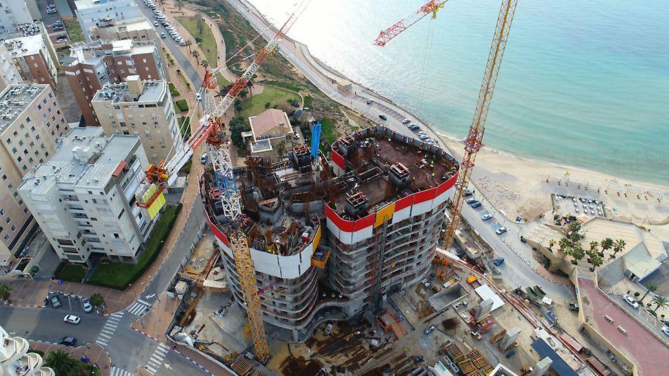 שימוש במערכות המאפשרות לטפס בבנייה ללא צורך בפירוק והרכבה.