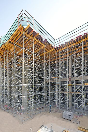 PERI UP shoring system supporting the slab up to 14m high