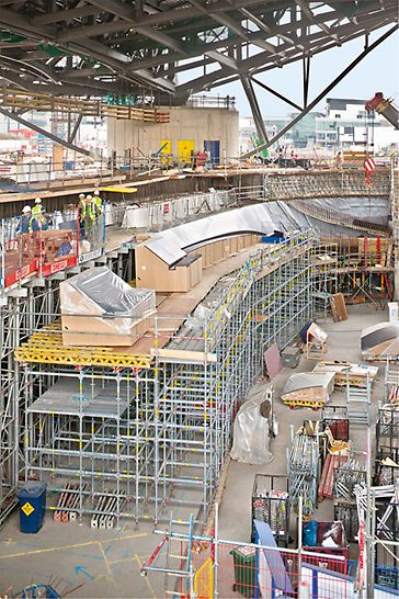 Aquatics Centre, London: load-bearing basic elements and formgiving formwork units