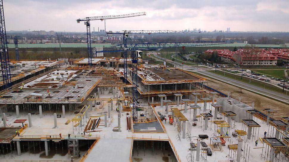 PERI zapewnia odpowiednią ilość potencjału deskowań i rusztowań niezależnie od wielkości projektu - Galeria Północna w Warszawie