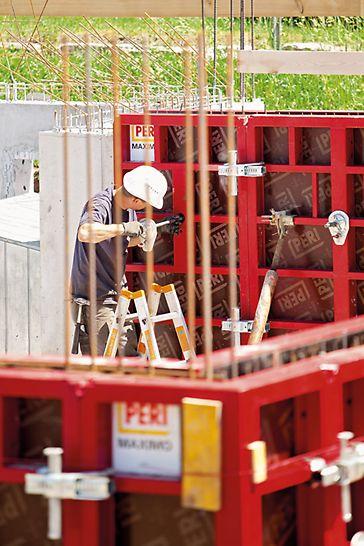 Durch den Wegfall der Hüllrohre werden weniger Teile benötigt, das reduziert den Aufwand auf der Baustelle.
