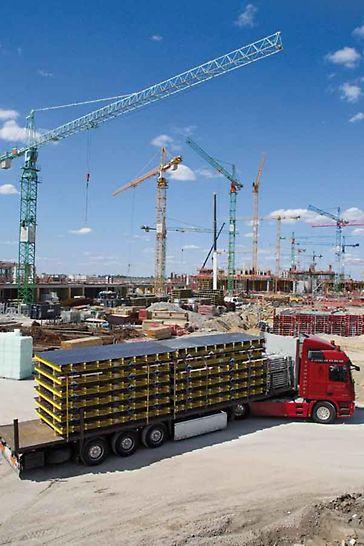 Az építkezés helyszínére történő szállítás időben és megbízhatóan történik, több mint 120 logisztikai helyszínről világszerte.