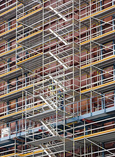 Elektrana Eemshaven, Holandija - prilikom izrade projekta i montaže skele u obzir je uzeta postojeća čelična konstrukcija - sa maksimalnim prilagođavanjem geometriji građevine.