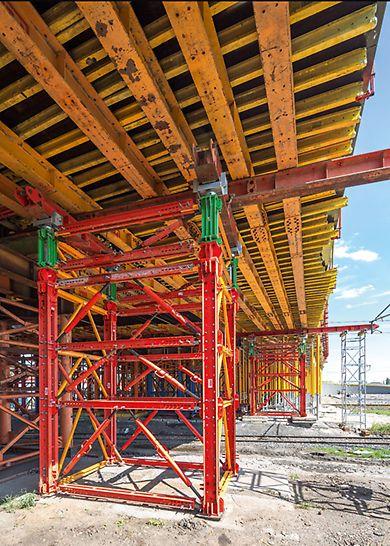 Wieża wysokonośna VST z hydraulicznym systemem odciążania.