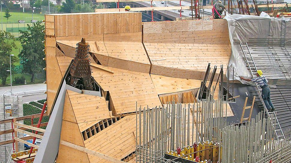 Panely se obvykle skládají ze stěnového nosníkového bednění VARIO. Jednotlivé díly je proto možné použít jiným způsobem i po dokončení projektu.