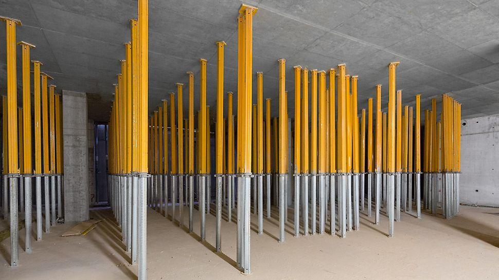 Több emelet alátámasztása könnyű alumínium MULTIPROP födémtámaszokkal.