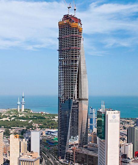 Al Hamra Tower, Kuvajt - južni zid jezgre ima različito pozicionirane i ukošene otvore prozora preko kojih se PERI ACS sistem bez problema može penjati.