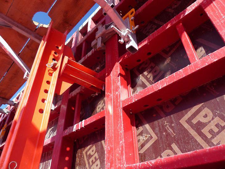 Übergangsstück von Kippträger auf die MAXIMO Wandschalung.